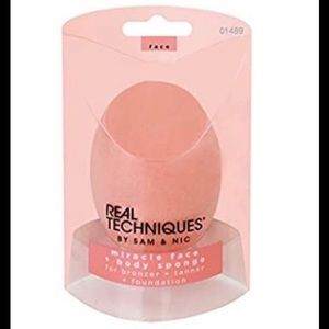 Real Techniques Miracle Face + Body Sponge New